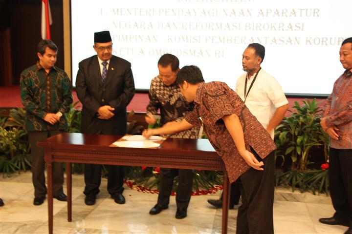 Foto ini berasal dari link artikel/kegiatan: Pencanangan Pembangunan Zona Integritas kementerian Hukum dan HAM RI