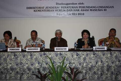 Foto ini berasal dari link artikel/kegiatan: Sosialisasi RUU tentang Perubahan Atas UU Nomor 3 Tahun 1997 tentang Pengadilan Pidana Anak